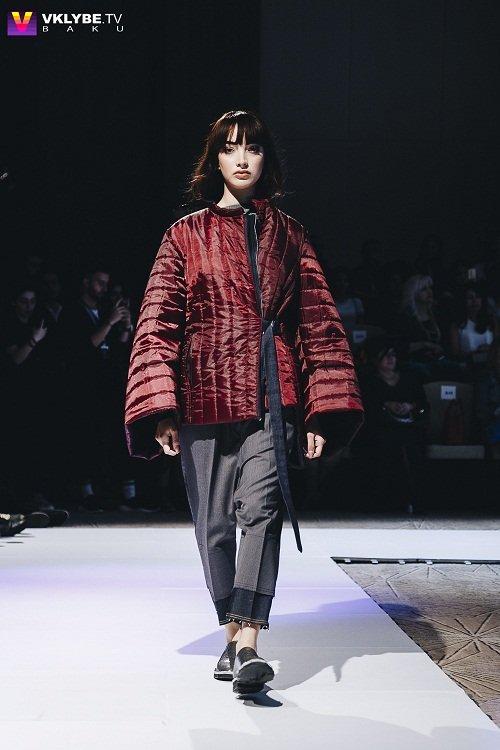 a8a820b86fb Третий показ первого дня Azerbaijan Fashion Week казахстанского дизайнера  Yerlan Zholdasbek привнес на подиум восточной эстетики.