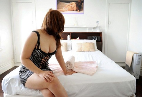 Азербайджанская дают секс деньгами
